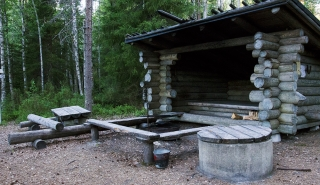 Kivalo's Jeager-hut lean-to shelter